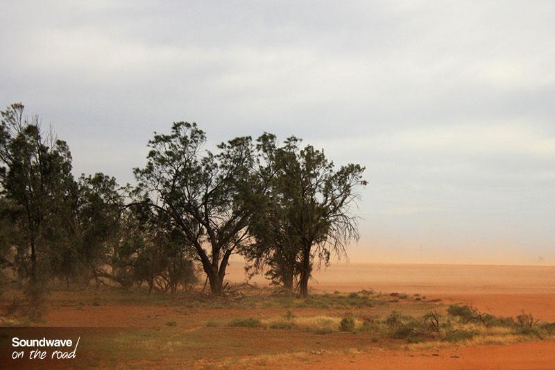 Outback poussiéreux