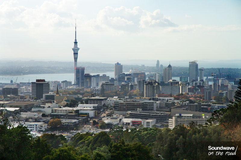 Auckland et sa Sky Tower, la plus haute structure de l'hémisphère sud !
