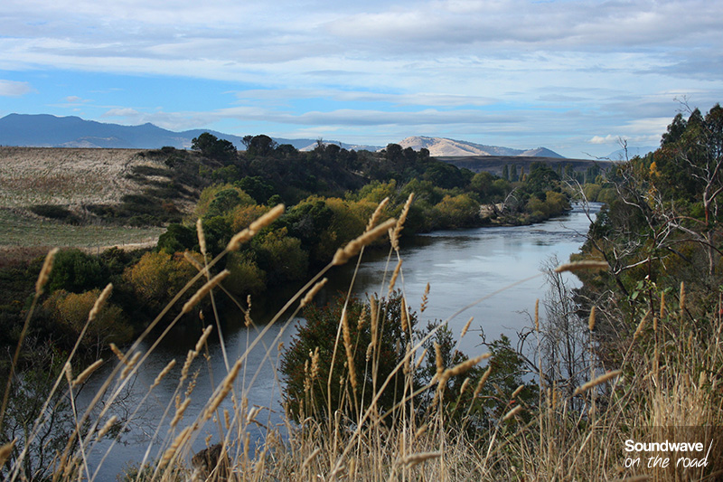 Large fleuve de Tasmanie