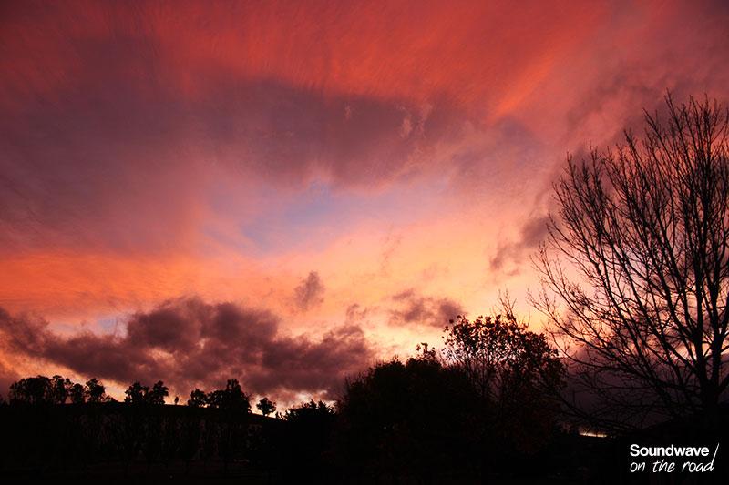 Coucher de soleil haut en couleurs en Tasmanie