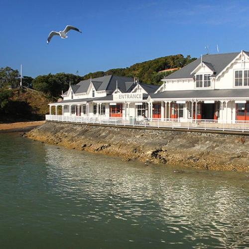 Village En Bord De Mer En Nouvelle Zélande