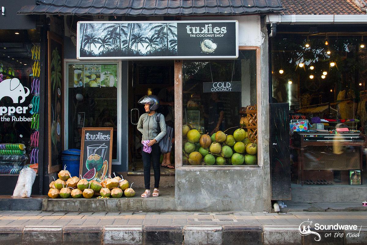 Coconut juice shop in Ubud
