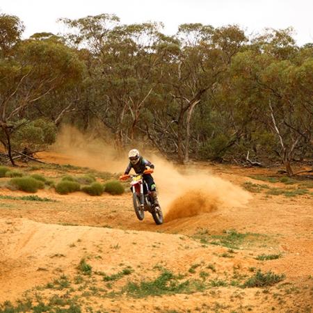 Motocross Dans Le Désert En Australie