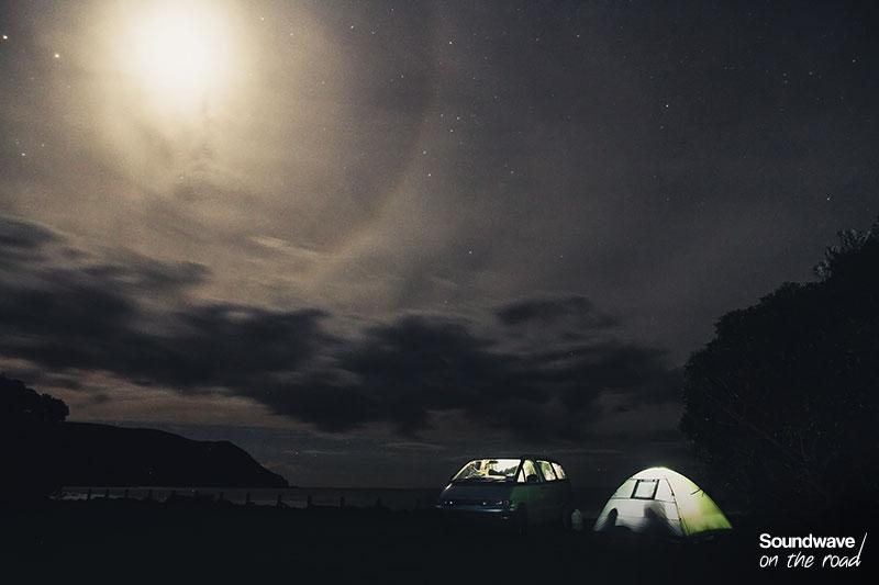 Campement sous les étoiles en Nouvelle Zélande
