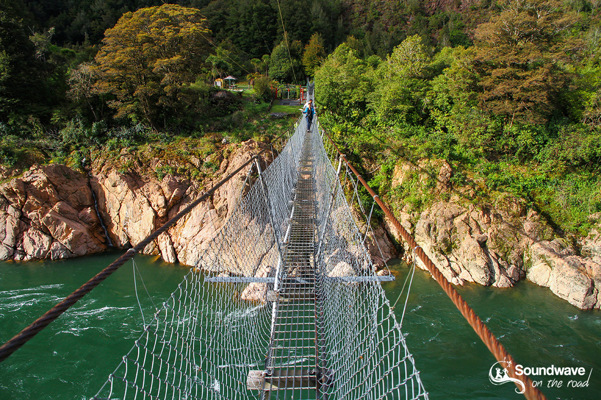 Longuest swing bridge in New Zealand
