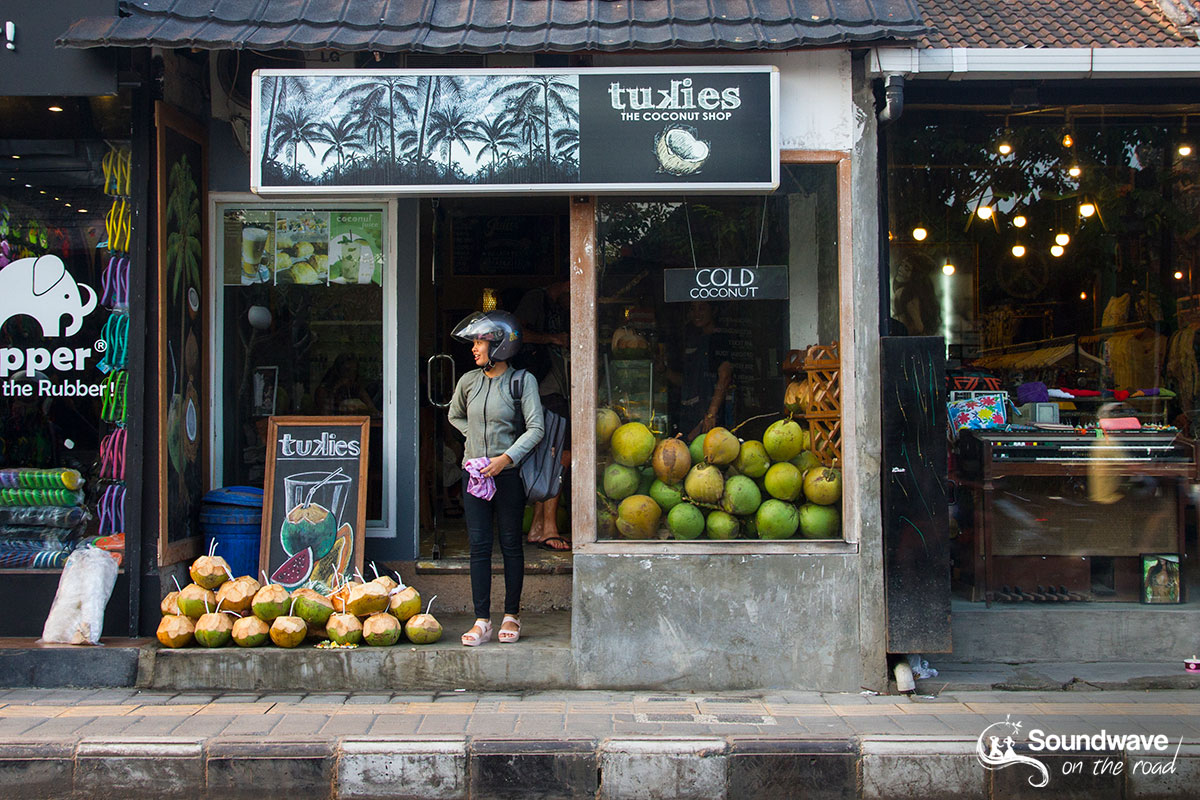 Coconut juice shop in Ubud