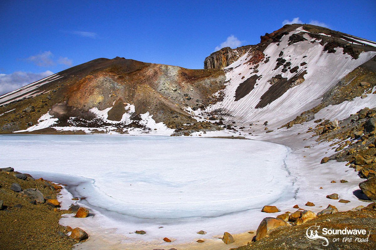 Frozen lake, Tongariro, New Zealand - Lac gelé en Nouvelle Zélande