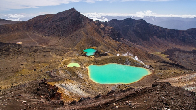 Le Tongariro Alpine Crossing En Deux Saisons