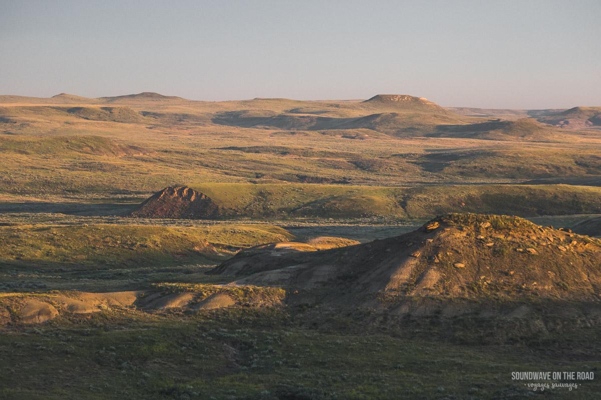 Golden hour dans les Badlands, Parc National des Prairies, Canada