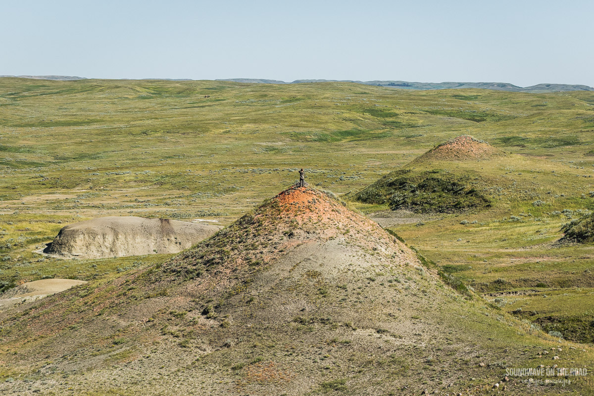 Les Buttes Rouges dans le Bloc Est du Parc National des Prairies au Canada