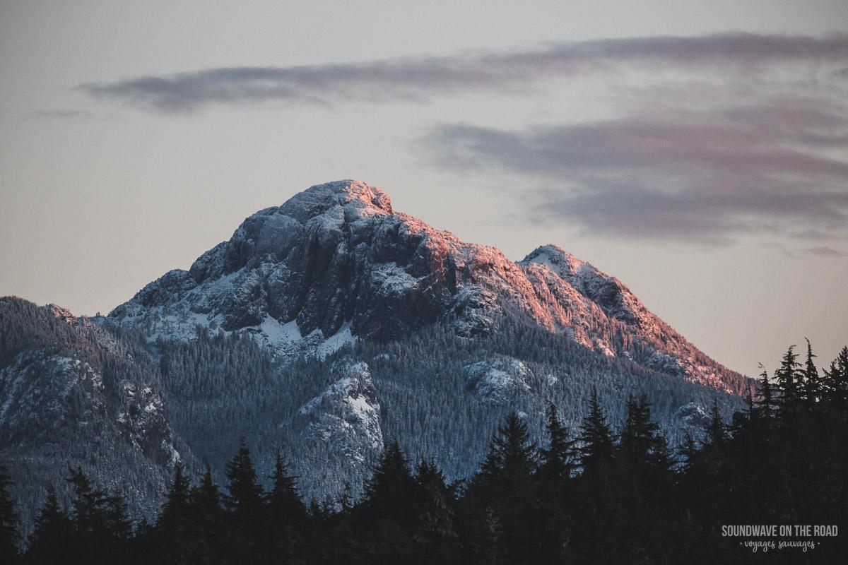 Les montagnes de Vancouver Island en hiver